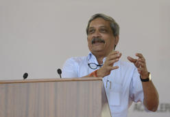 Manohar Parrikar speaks during a 'Know Your Army' event in Ahmedabad