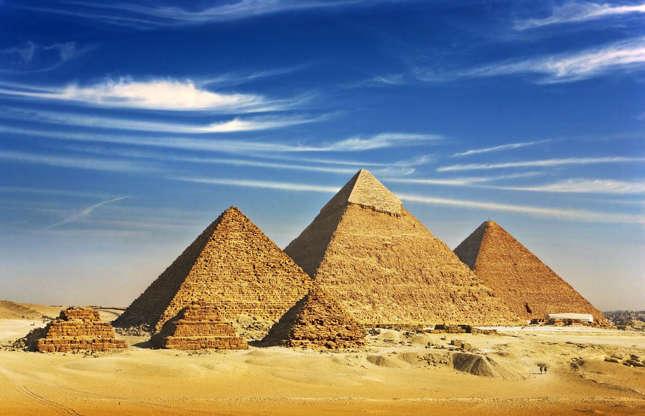 Διαφάνεια 32 από 37: The only one of the Seven Wonders of the Ancient World that has remained largely intact, the three pyramids of Giza are a defining symbol of Egypt's history. Surrounded by legend and myth, the pyramids and the nearby Great Sphinx of Giza remain one of the world's most visited tourist destinations.