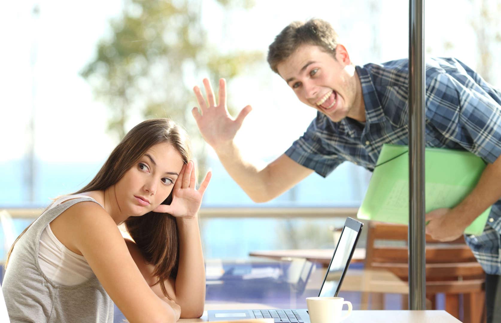 Tre eksempler på fysisk dating misbrug