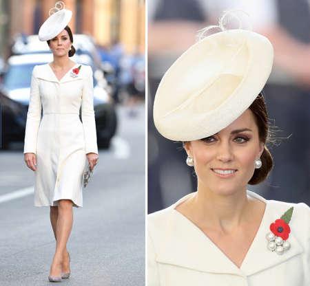 acfeb6c241 Diapositiva 2 de 100  In the Alexander McQueen coat dress she wore at  Princess Charlotte s