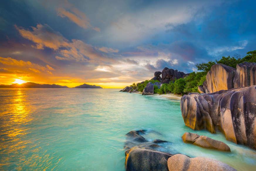 الشريحة 7 من 17: Seychelles, La Digue, View of Anse Source dArgent beach