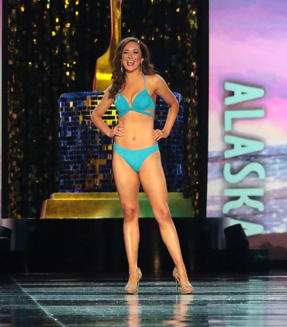 64dd523f2 En fotos  Miss América 2018 competencia en traje de baño