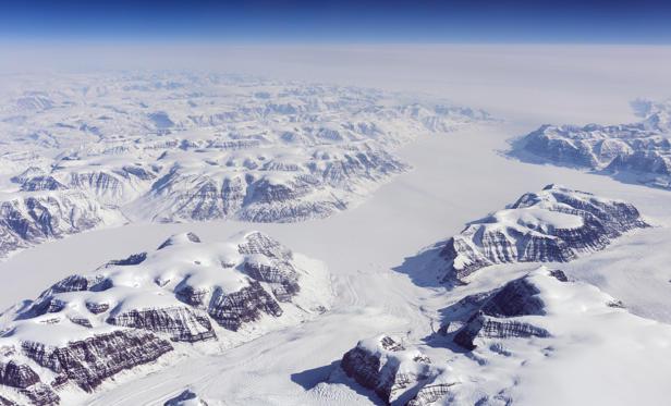 """Diapositive 9 sur 28: Em alemão significa """"Ice-Center"""", o local de expedição de pesquisa do início dos anos 30, já chegou a registrar um baixa nos termômetros de -65 °C."""