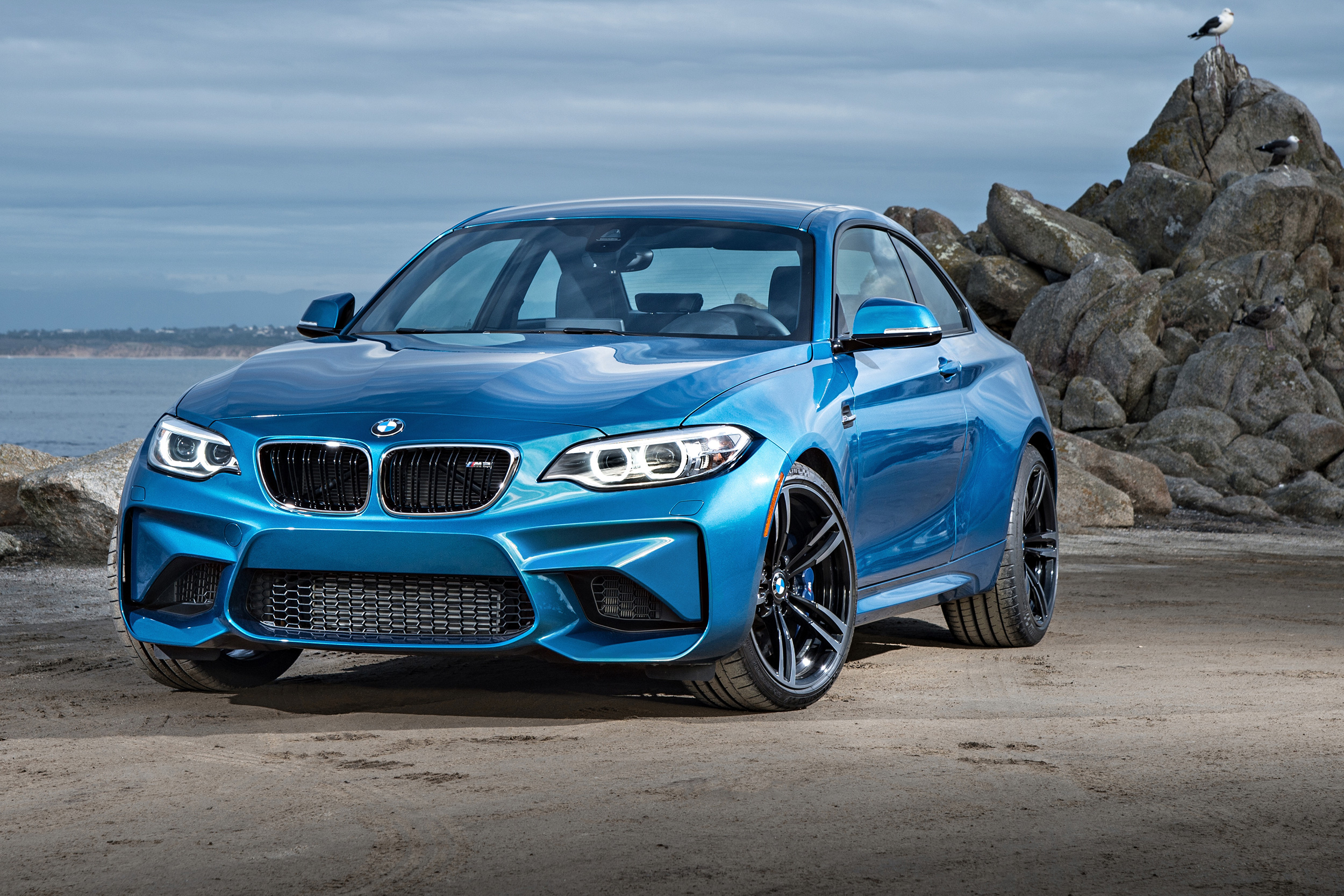 2018 bmw m2 coupe overview msn autos. Black Bedroom Furniture Sets. Home Design Ideas