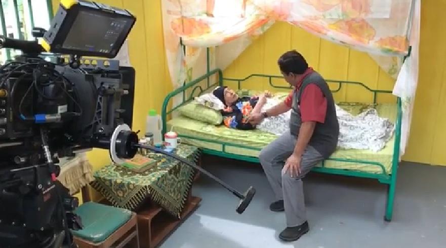 Terbaring Sakit, Aminah Cendrakasih Tetap Shooting `Si Doel the Movie`
