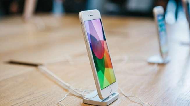 Apple Selidiki Kasus Terbelahnya iPhone 8 Plus