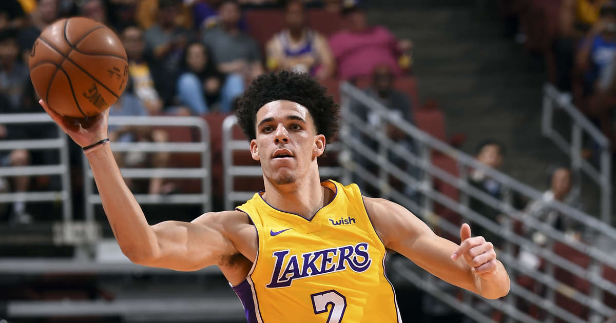 Lonzo Ball Looks Almost Unrecognizable With New Haircut At Lakers