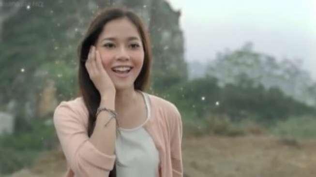 Ini Dia Perempuan Cantik di Iklan `Om Jin Pengen Kurus`