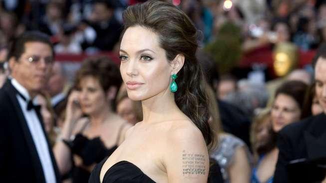 Angelina Jolie Ikut Jadi Korban Pelecehan Produser Harvey Weinstein