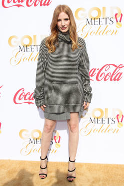 Slide 5 de 18: Mandatory Credit: Photo by Jim Smeal/REX/Shutterstock (9309066ca) Jessica Chastain 5th Annual Gold Meets Golden, Los Angeles, USA - 06 Jan 2018 WEARING RALPH LAUREN SAME OUTFIT AS CATWALK MODEL *9050716m