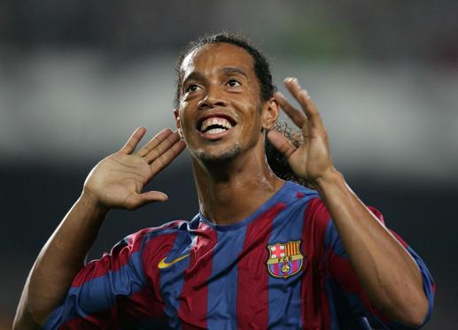 Slide 1 de 22: Ronaldinho Gaúcho anuncia aposentadoria: relembre a trajetória do craque