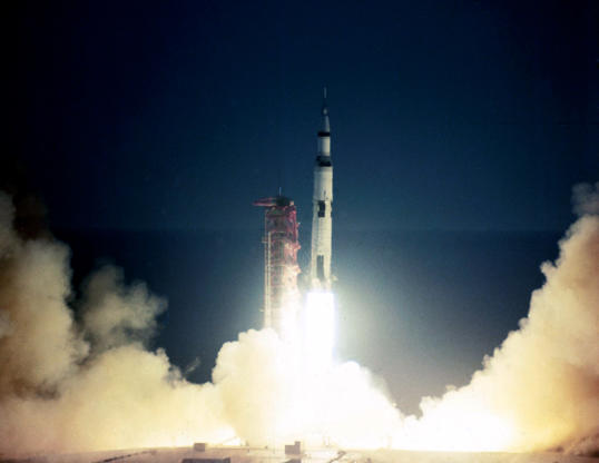Slide 7 of 10: UNITED STATES : Lift-off of the first flight of the Saturn V rocket that was later used on all the Apollo manned moon landing missions. Apollo 4, as well as testing the Saturn V rocket itself, also tested the atmospheric re-entry of an Apollo Command Module from a simulated lunar mission trajectory.  ** https://en.wikipedia.org/wiki/Saturn_V http://www.onthisday.com/date/1967/november/9 http://on-this-day.com/onthisday/thedays/alldays/nov09.htm