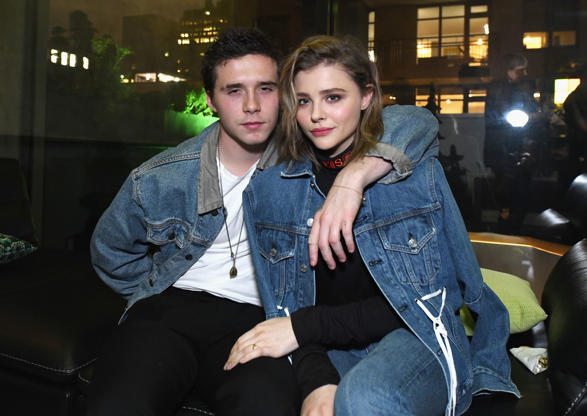 Diapositiva 11 de 50: NEW YORK, NY - NOVEMBER 06: Brooklyn Beckham (L) and Chloe Grace Moretz attend as Liam Payne, Chloe Grace Moretz, Brooklyn Beckham and Caleb McLaughlin Host Xbox One x VIP Event & Xbox Live Session on November 6, 2017 in New York City. (Photo by Slaven Vlasic/Getty Images for Xbox)
