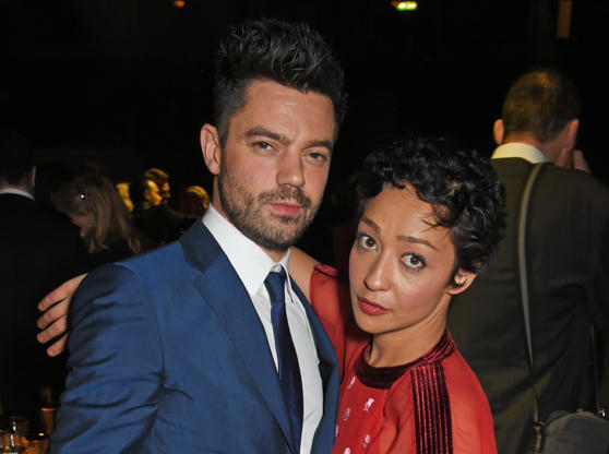 Diapositiva 15 de 50: LONDON, ENGLAND - DECEMBER 03: Dominic Cooper (L) and Ruth Negga attend the London Evening Standard Theatre Awards 2017 after party at the Theatre Royal, Drury Lane, on December 3, 2017 in London, England. (Photo by David M. Benett/Dave Benett/Getty Images)