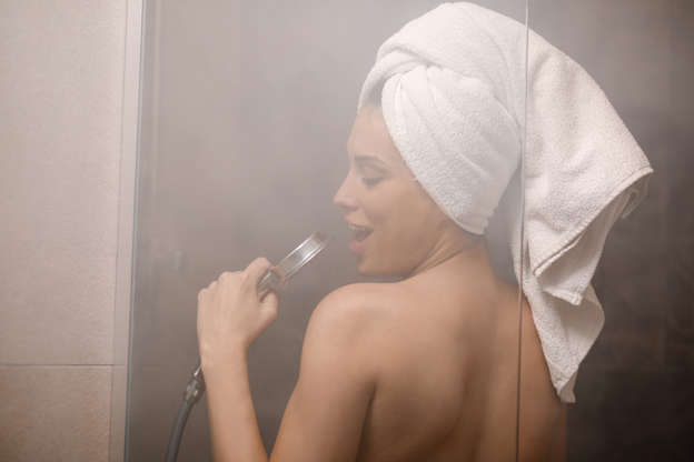 should you shower everyday or every other day