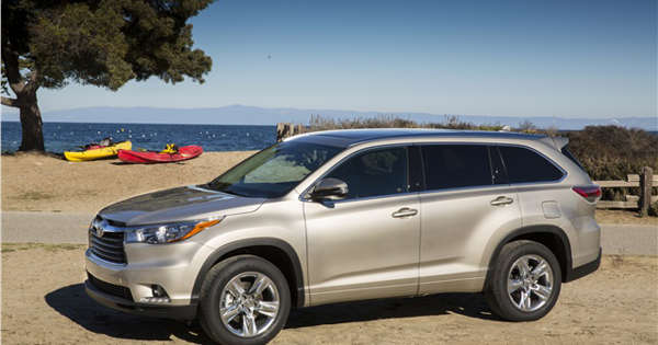 2016 toyota highlander what you need to know. Black Bedroom Furniture Sets. Home Design Ideas