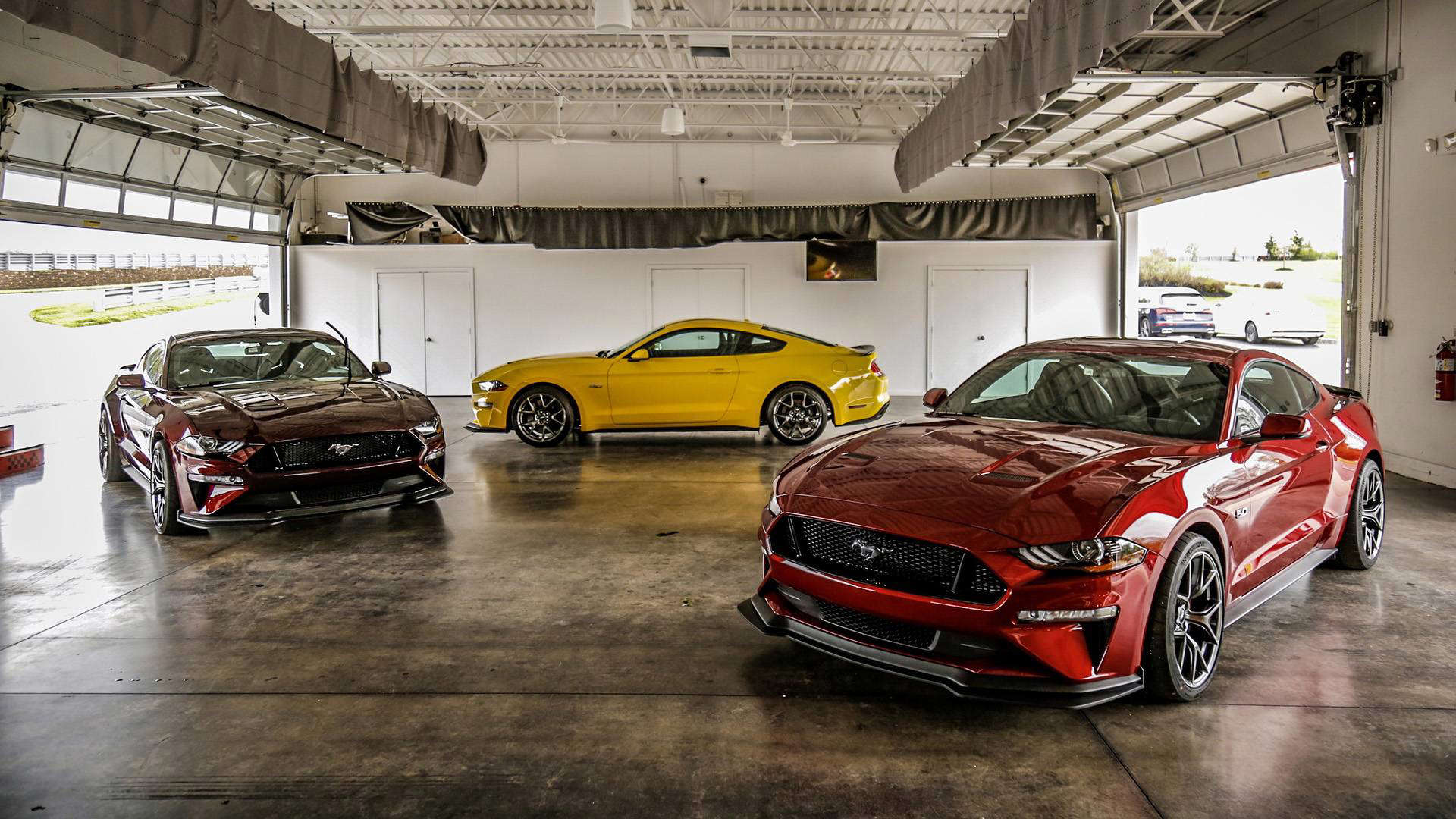 2019 ford mustang gt performance package level 2 first drive a value priced gt350