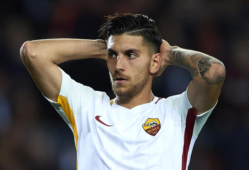 BARCELONA, SPAIN - APRIL 04:  Lorenzo Pellegrini of Roma reacts during the UEFA Champions League Quarter Final Leg One match between FC Barcelona and AS Roma at Camp Nou on April 4, 2018 in Barcelona, Spain.  (Photo by Quality Sport Images/Getty Images)