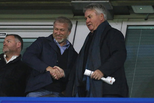 Abramovich cannot work in UK if he arrives on Israeli passport, No 10 says