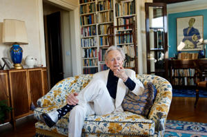 "In this July 26, 2016 photo, American author and journalist Tom Wolfe, Jr. appears in his living room during an interview about his latest book, ""The Kingdom of Speech,"" in New York. (AP Photo/Bebeto Matthews)"