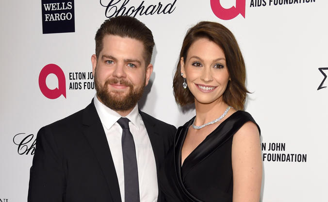 Diapositiva 5 de 50: WEST HOLLYWOOD, CA - FEBRUARY 22: Lisa Osbourne and Jack Osbourne attend the Elton John AIDS Foundation's 23rd annual Academy Awards Viewing Party at The City of West Hollywood Park on February 22, 2015 in West Hollywood, California. (Photo by Karwai Tang/WireImage)