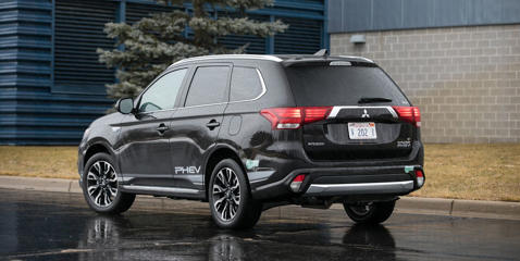 From city, highway, and combined EPA ratings to our own real-world fuel-economy test, see how the Outlander performs versus the competition.