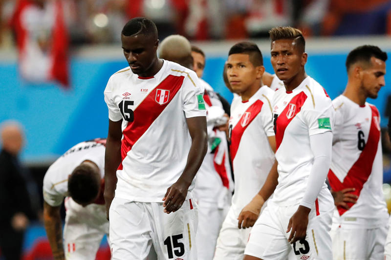 Soccer Football - World Cup - Group C - Peru vs Denmark - Mordovia Arena, Saransk, Russia - June 16, 2018   Peru's Christian Ramos looks dejected after the match    REUTERS/Carlos Garcia Rawlins