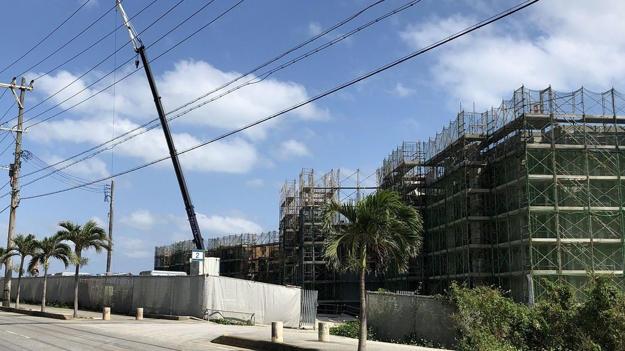 沖縄県宮古島市、6つの島々からなる宮古諸島ではバブルともいえる大きな変化が起こっている(2018年春、筆者撮影)