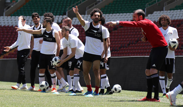 Egypt's forward Mohamed Salah (c) gestures during training at the Akhmat Arena stadium in Grozny on June 13, 2018.