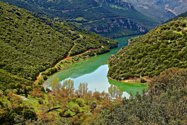 Διαφάνεια 20 από 35: Panoramic view of Ladonas river,Great lacation on Peloponesse,Greece,Ideal for Outdoors actions like rafting (first levels)