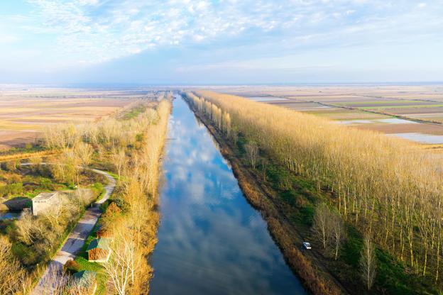 Διαφάνεια 24 από 35: aerial view of loudias river in north Greece, in the winter season