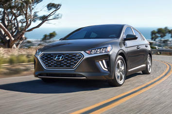 Research 2020                   HYUNDAI Ioniq pictures, prices and reviews