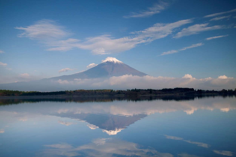 幻灯片 12 - 5: Mount Fuji reflected in Lake Motosu, Fuji-Hakone-Izu National Park, Honshu, Japan