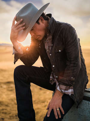 a person wearing a hat: Courtesy Clay Walker Clay Walker