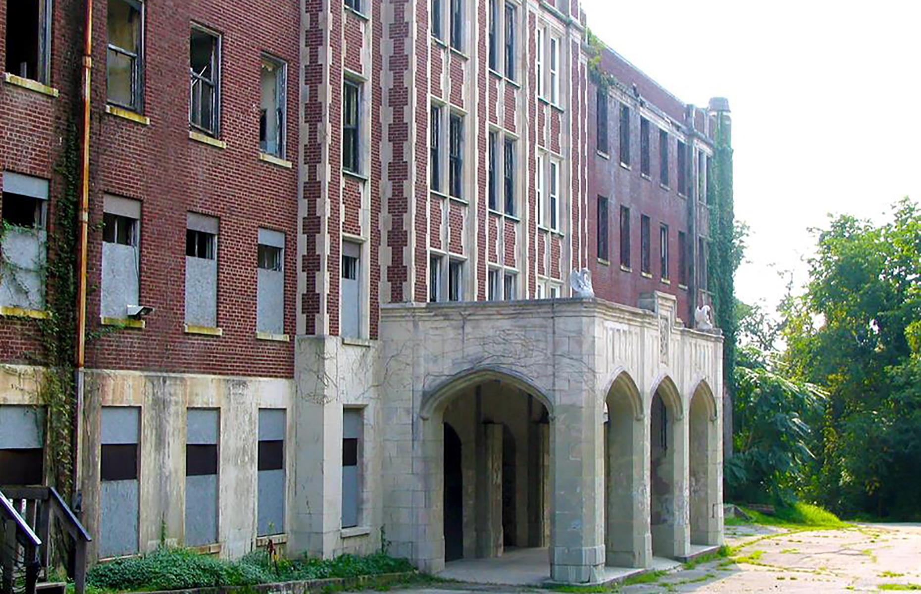 Slide 34 of 101: A grand building in the city of Louisville, Waverly Hills Sanatorium was established in the 1920s as a treatment center for tuberculosis. By the 1960s, new treatments for the disease had been discovered, and Waverly Hills' services were rendered obsolete.