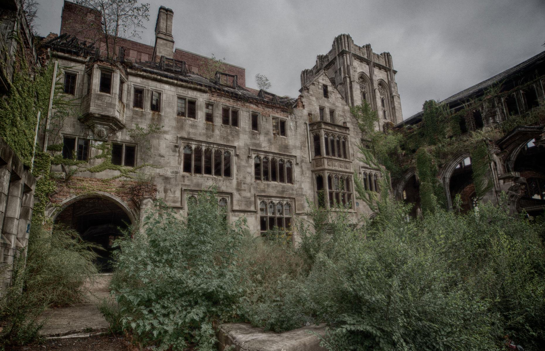 Slide 28 of 101: America's grandest abandoned place of worship, City Methodist Church in Gary was completed in 1926 to the tune of around $800,000 at the time. During the steel boom years, the church was packed every Sunday. But as the industry declined, so did the number of attendees.