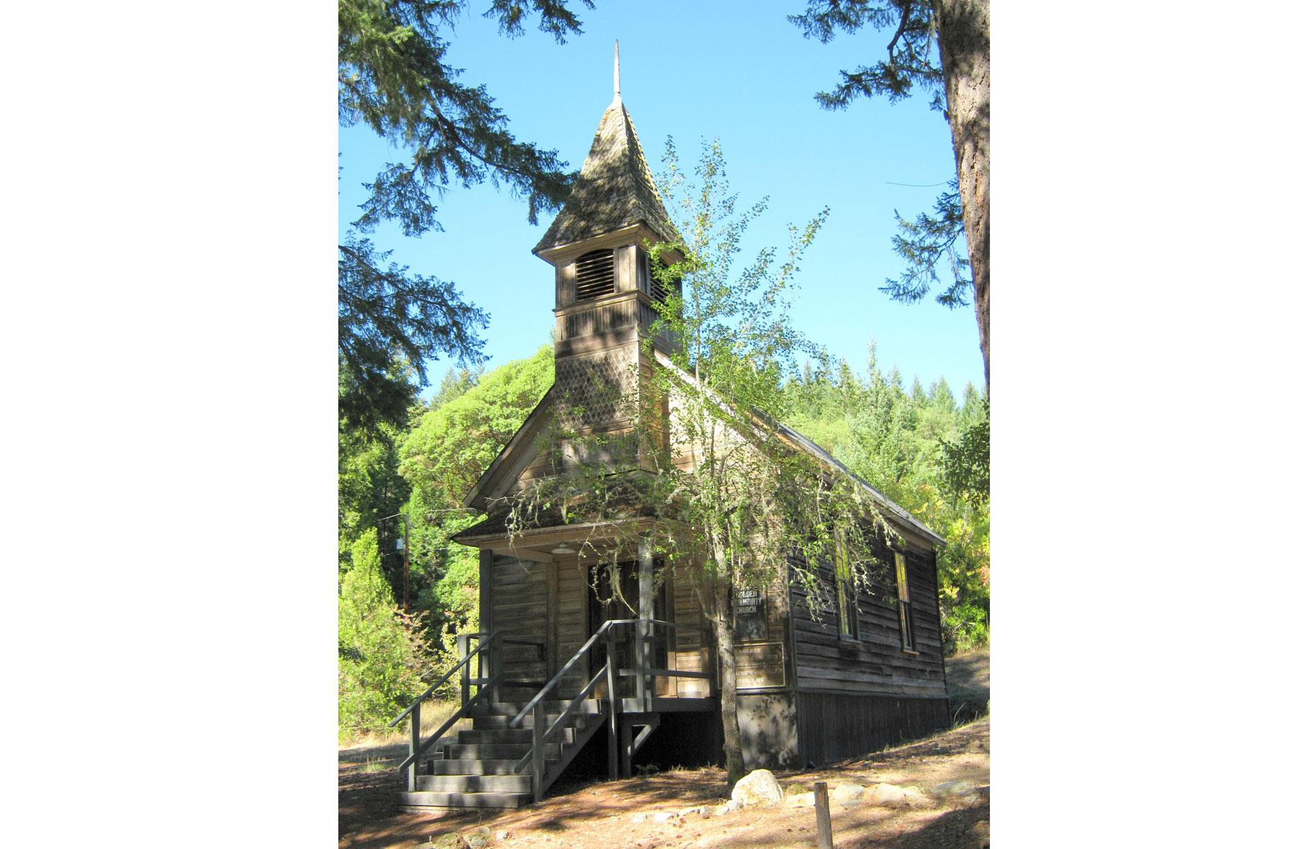 Slide 75 of 101: A church and post office followed, but by the 1920s the population had dwindled, and the town was mostly abandoned. These days four of Golden's historic buildings still stand and the town is an Oregon State Heritage Site.