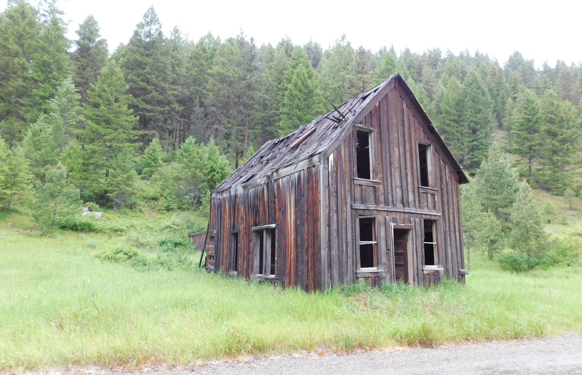 Slide 95 of 101: The mining town declined after nearby gold reserves had been depleted, and Bodie was all but abandoned by the 1940s. These days, a few decrepit wooden structures remain as a haunting tribute to the town.