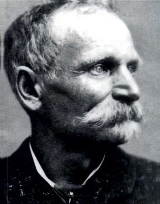 """Slide 22 of 32: Charles Earl Boles, better known as """"Black Bart,"""" was a notorious stagecoach robber, holding up at least 28 across northern California between 1875 and 1883. On two occasions, he left poems at the robbery sites, acts that earned him a reputation as a gentleman bandit with a flair for style and sophistication. Eventually apprehended, Boles served six years in jail before fading into obscurity."""