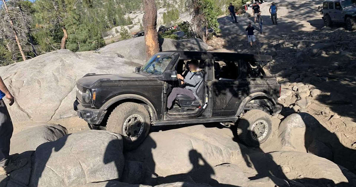 2021 Ford Bronco Attempts Real Rock Crawling On Rubicon Trail