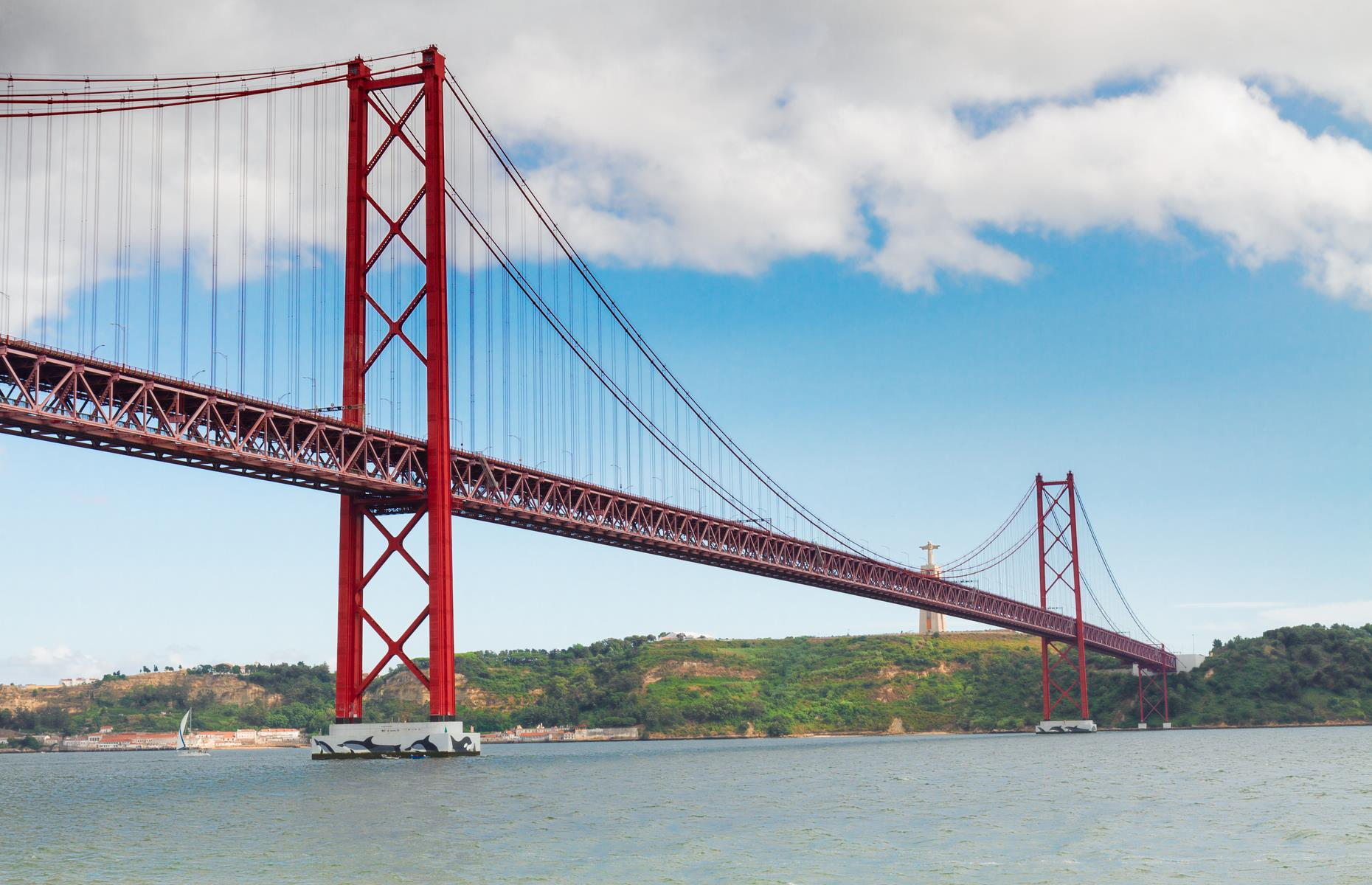 Slide 9 of 37: In Portugal's capital, Lisbon, you'll find a similar-looking bridge known as the 25 de Abril Bridge (Ponte de 25 Abril), one of the city's most well-known landmarks. Although it resemblesthe Golden Gatewith its similar striking exterior, the 25 de Abrilwas actually constructedby the American Bridge Company in 1966, the same company that built the San Francisco-Oakland Bay Bridge, not the Golden Gate.