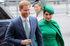 Prince Harry, Meghan Markle are posing for a picture: Prince Harry and Meghan Markle