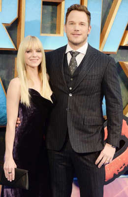Anna Faris, Chris Pratt are posing for a picture: Chris Pratt and Anna Faris