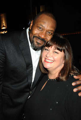 Lenny Henry, Dawn French are posing for a picture: Lenny Henry and Dawn French