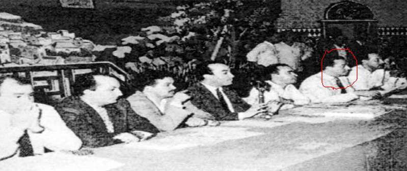 Au Micro, Abderrahmane Youssoufi, à sa droite Mohamed Fqih Basri et à sa gauche, Mehdi Ben Barka. / Ph. wikipedia
