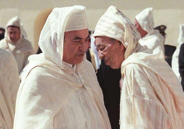 Feu le roi Hassan II en compagnie d'Aberrahmane Youssoufi. / Ph. DR