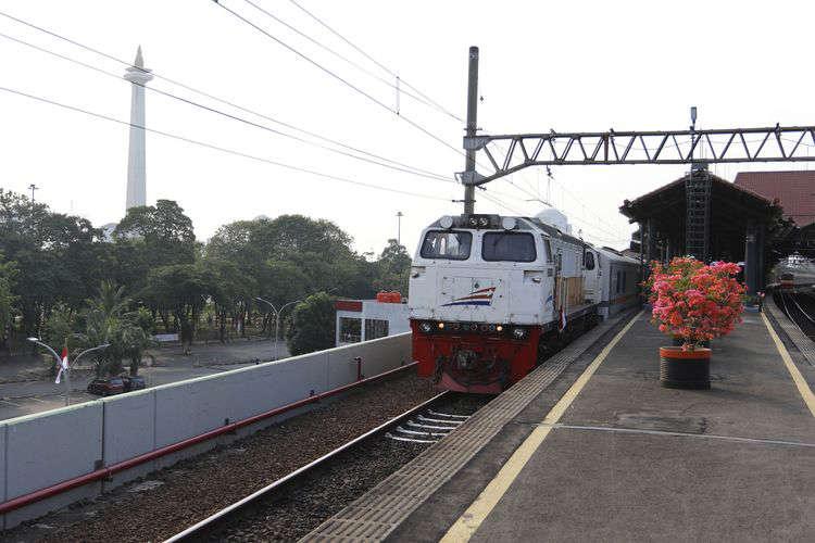 KA Argo Parahyangan tujuan Bandung dari Stasiun Gambir, Jakarta Pusat kembali beroperasi Agustus 2020.