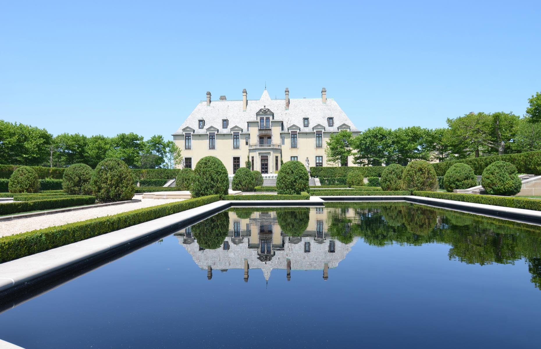 Slide 28 of 53: Oheka Castle, in Long Island, is certainly a handsome mansion. But it's the stories surrounding the mansion, built between 1914 and 1919, that really enchant. The second-largest private residence in the US (after the Biltmore House in Asheville, North Carolina), it's said to be the inspiration behind the glitzy manor in F. Scott Fitzgerald's novel The Great Gatsby. It's also featured in diverse productions from Citizen Kane to a Taylor Swift music video.