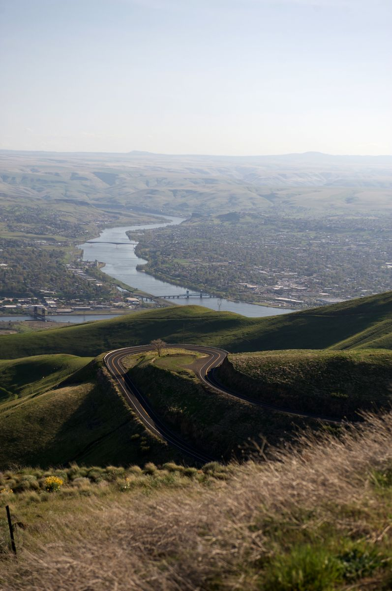 Slide 13 of 51: Here's a geography fact you might not have known: It's possible to sail from the Pacific Ocean to Idaho through the Snake and Columbia Rivers, which will take you to the farthest inland port on the West Coast, called Lewiston.