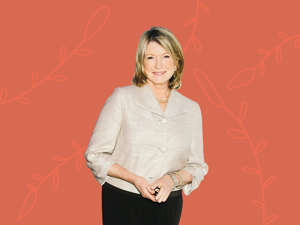 Martha Stewart posing for a picture